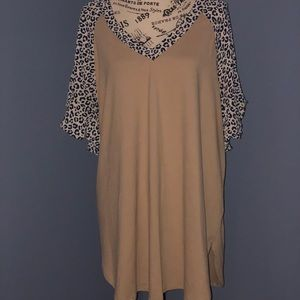 Living For Love Tan/Navy Mini Cheetah Sleeve Top